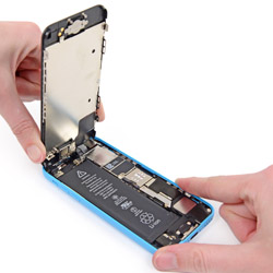 Замена экрана айфон 5С
