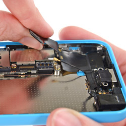 Замена разъема зарядки iPhone 5C