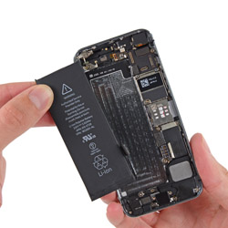 Замена батареи айфон 5s