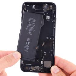 Замена батарейки iPhone 7
