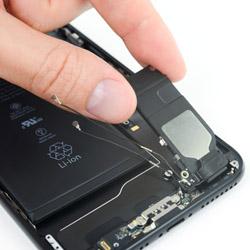 Замена музыкального динамика Айфон 7 Plus