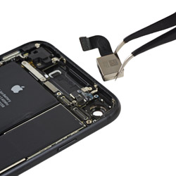 Замена основной камеры Айфон 7