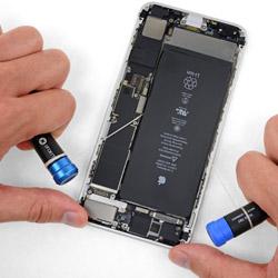 Замена батарейки Айфон 8 плюс