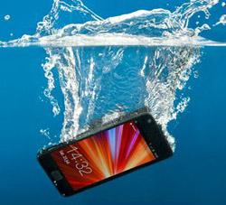 telefon-upal-v-vodu_meizu-pro5
