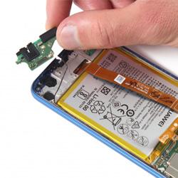 Замена разъема зарядки Huawei P Smart Plus